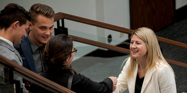 Pepperdine Law Alum Jennifer Dorsey greets students