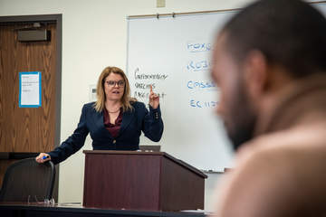 Straus Professor Stephanie Blondell leading a dispute class