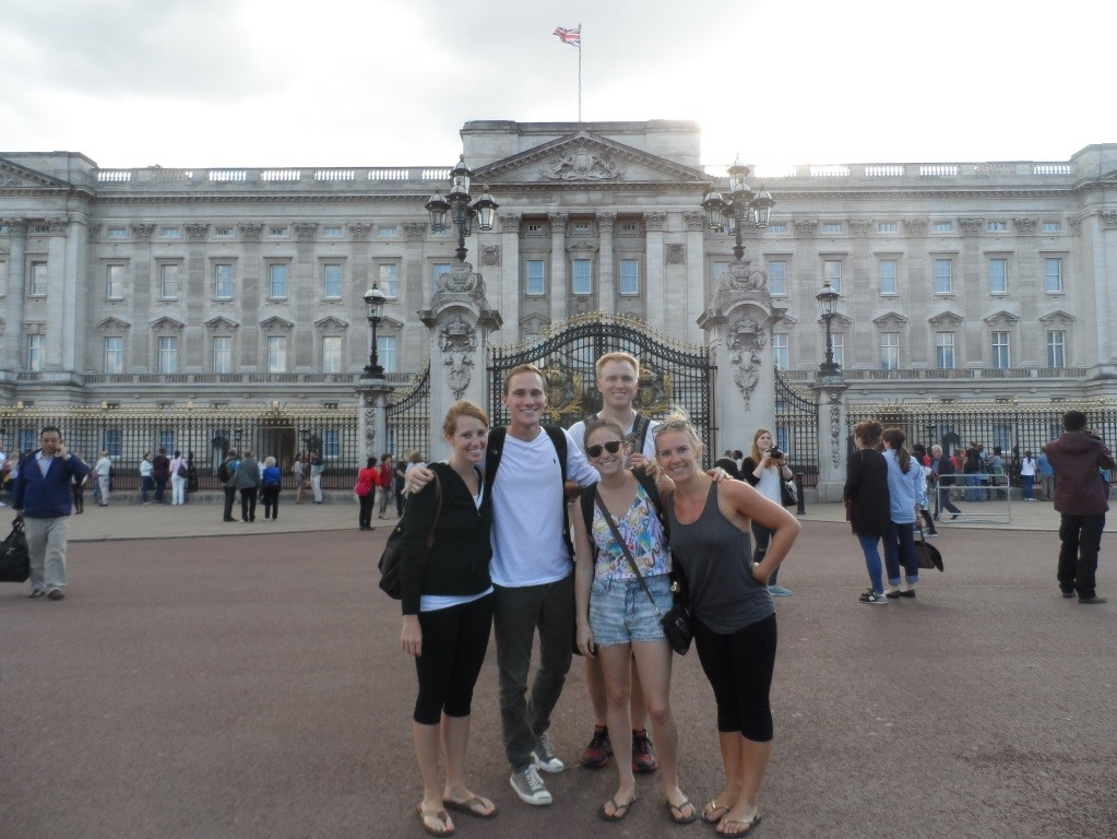 Student photo in front of London landmark