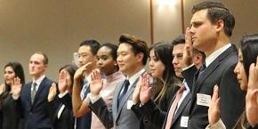 Students in Bar Swearing-In Ceremony
